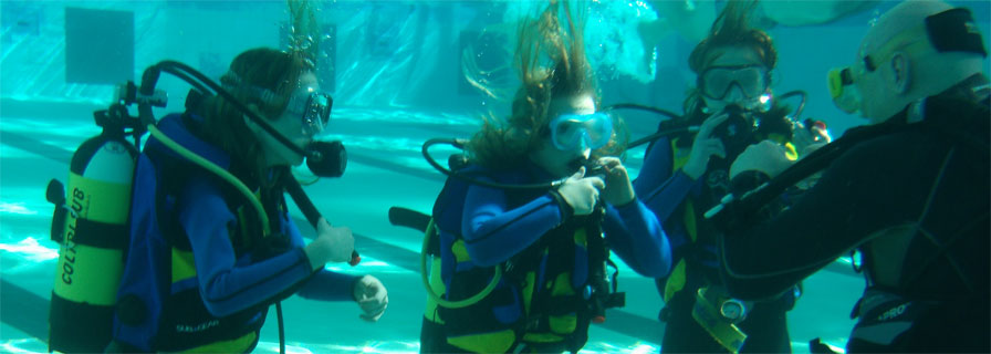Dziewczynki-pod-wod