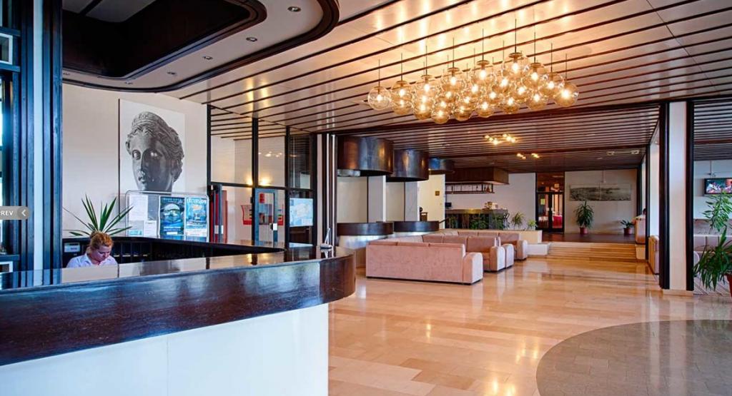 Hotel Issa *** -
