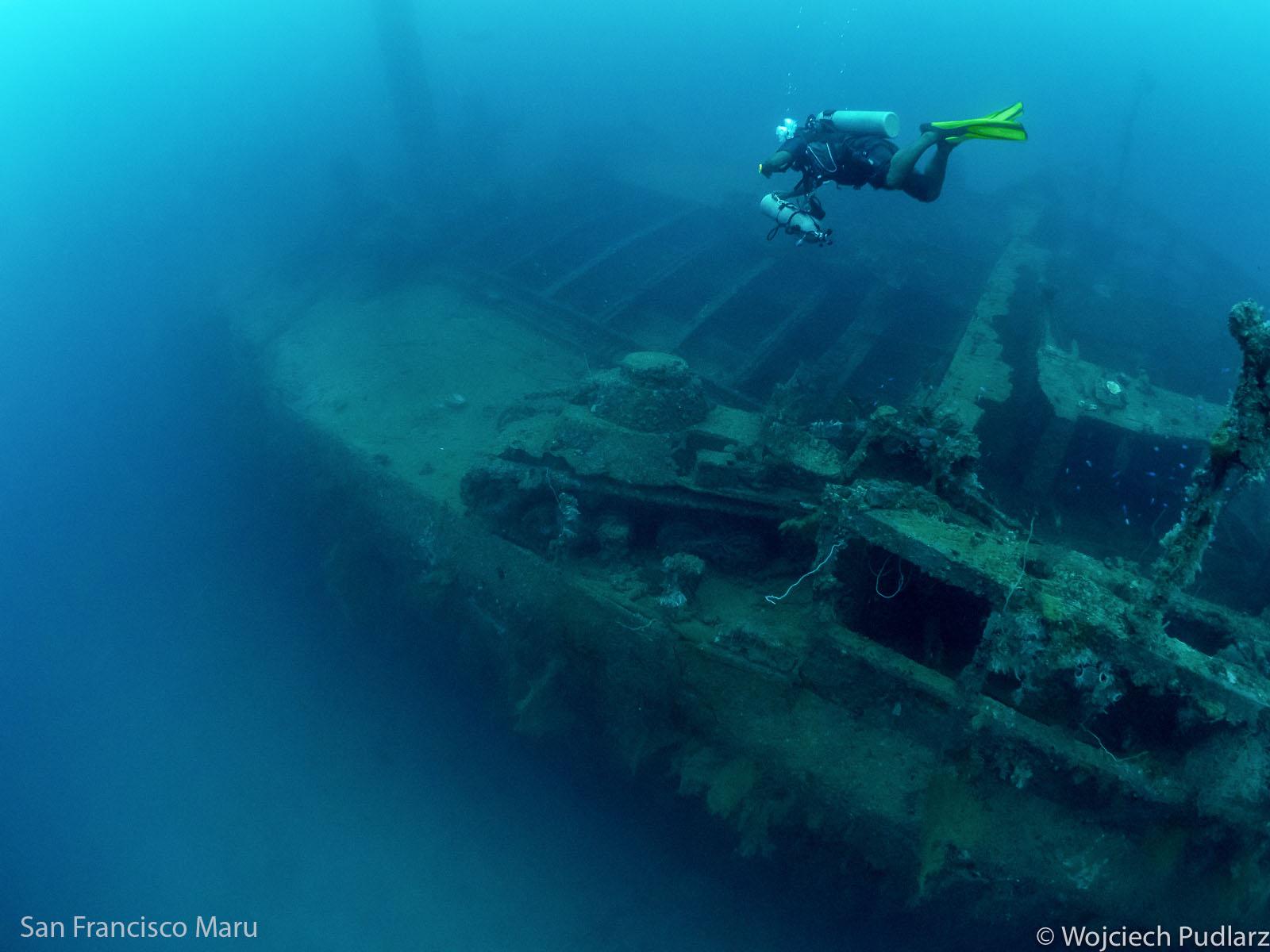 Truk: laguna statków-duchów -