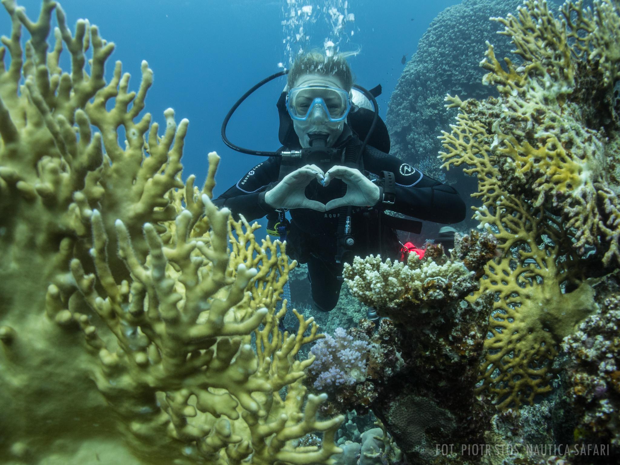 Jak oddychać pod wodą, by powietrza w butli starczyło na dłużej? -
